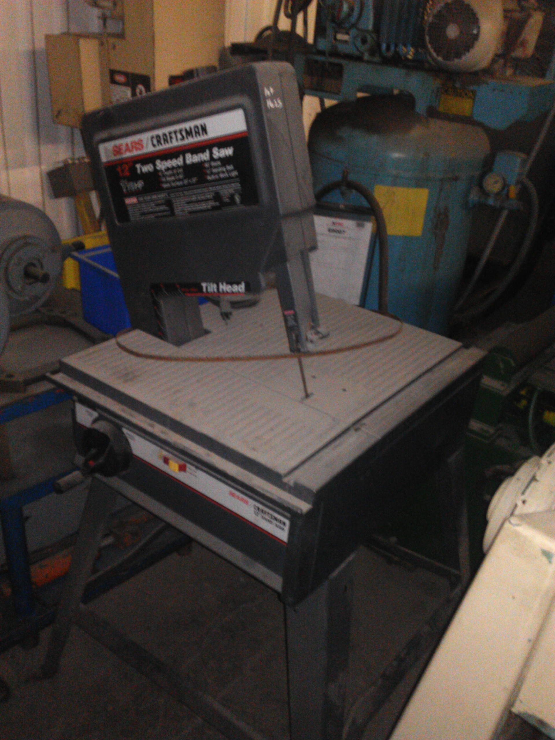 (1) PREOWNED CRAFTSMAN 12 in  VERTICAL BAND SAW WITH TILTING <br>HEAD 45 DEGREE WITH STOCK STAND