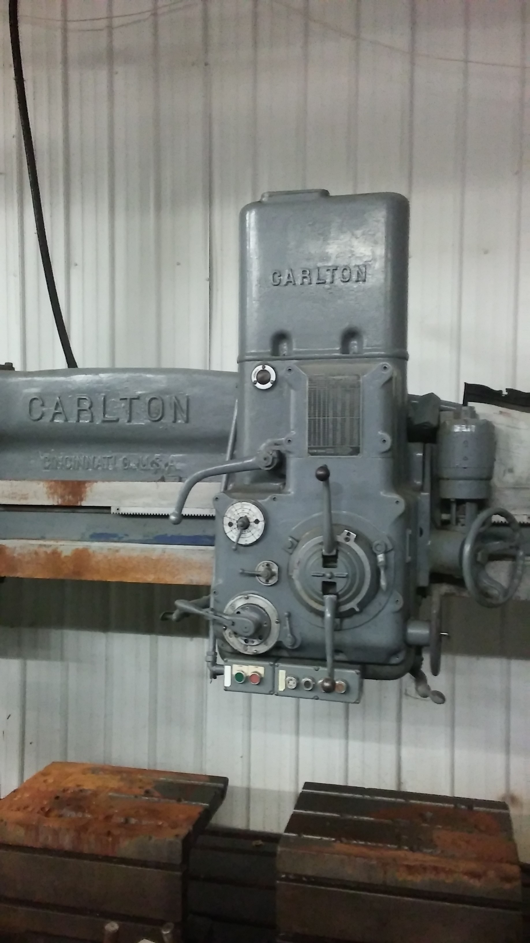 1 - PREOWNED CARLTON 7 ft ARM X 17 in  COLUMN RADIAL DRILL, <br>S/N: 1000, YEAR: 1960