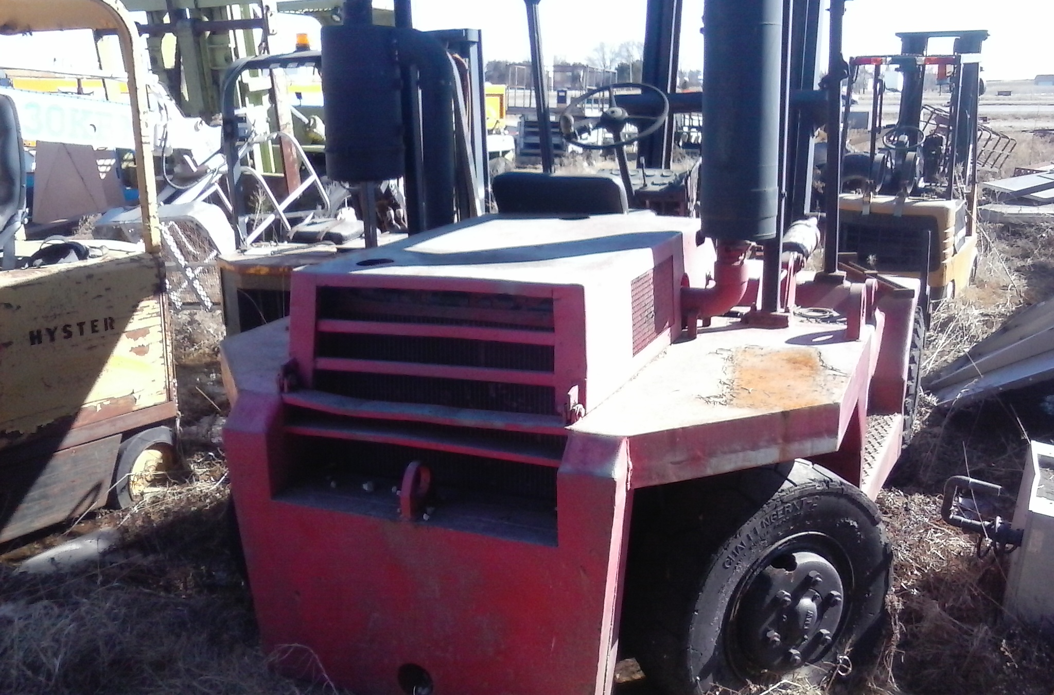 (1) PREOWNED TAYLOR 12000 LB FORKLIFT