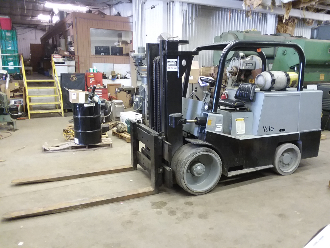 (1) PREOWNED YALE 15000 LB LP GAS FORKLIFT GLC150SBS083