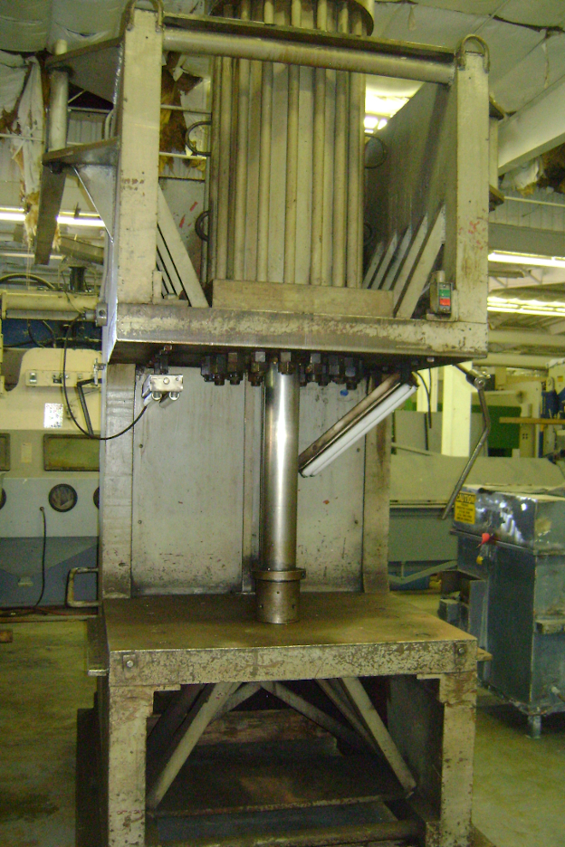 (1) PREOWNED C-FRAME HYDRAULIC PRESS, 200 TON