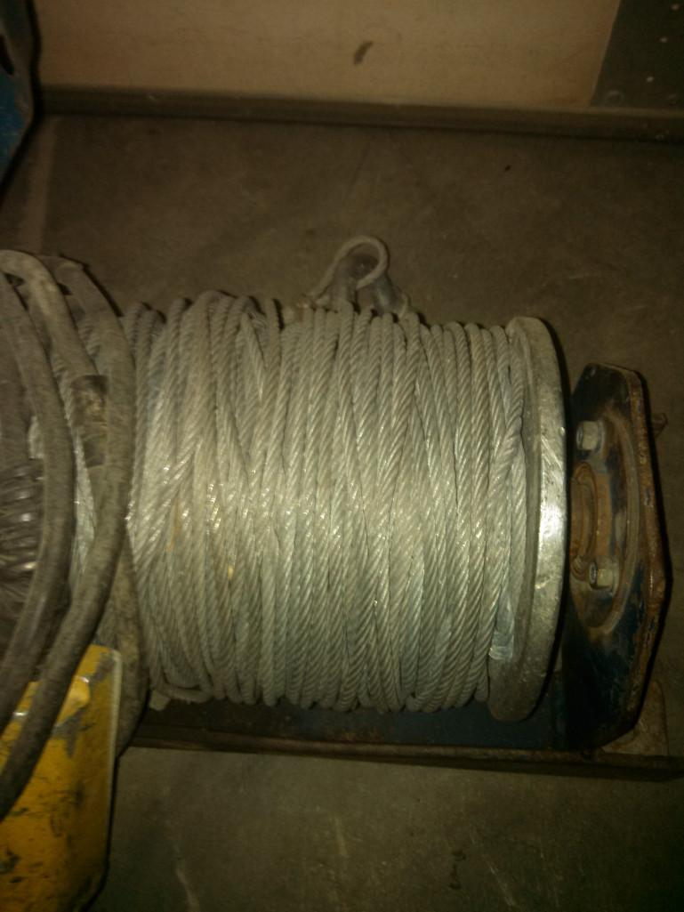(1) PRE-OWNED MY-TE 110V ELECTRIC WINCH 3/16 in  CABLE