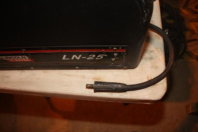 (1) PREOWNED LINCOLN WIRE FEED POCKET WELDER, MODEL LN-25