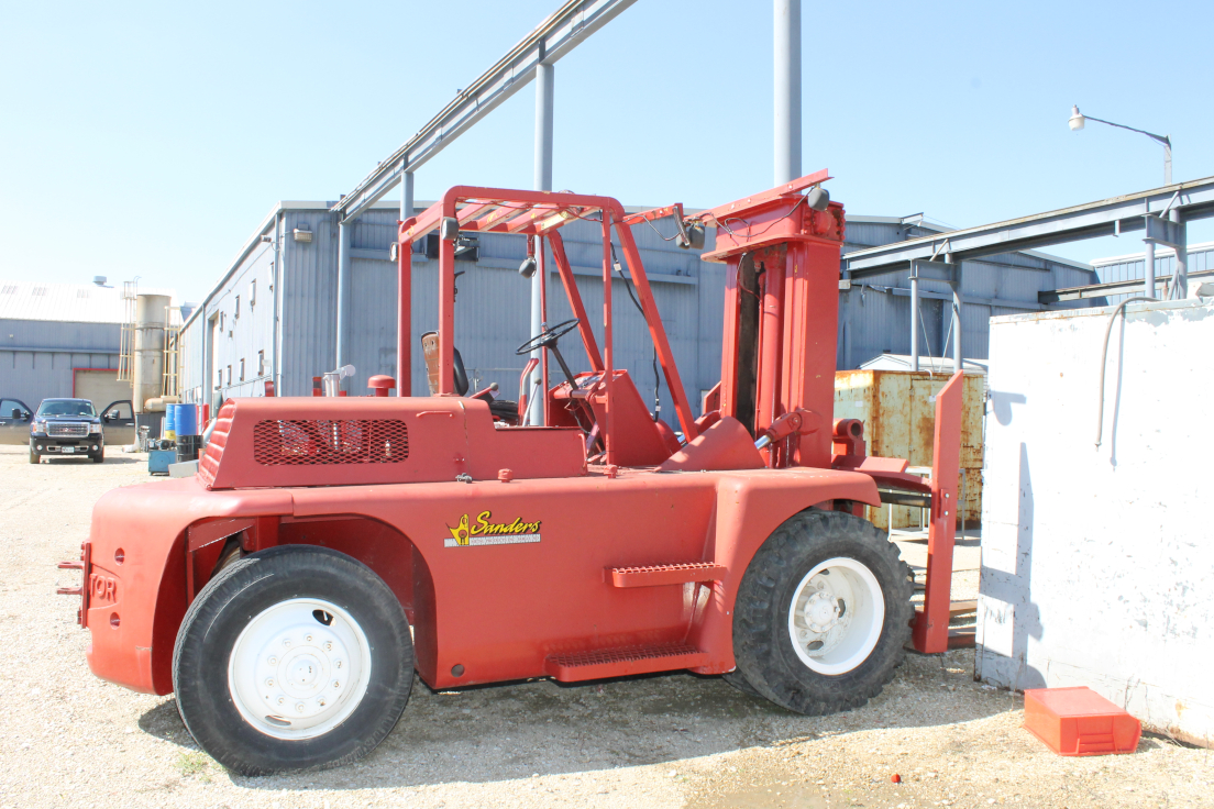 (1) PREOWNED TOWMOTOR YARD TYPE FORK TRUCK