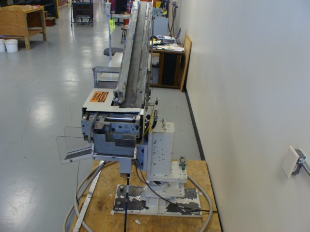 (1) PREOWNED TOELLNER SYSTEMS AUTOMATIC PART <br>LOADER/UNLOADER, MODEL HAAS-MINI-LD-3273