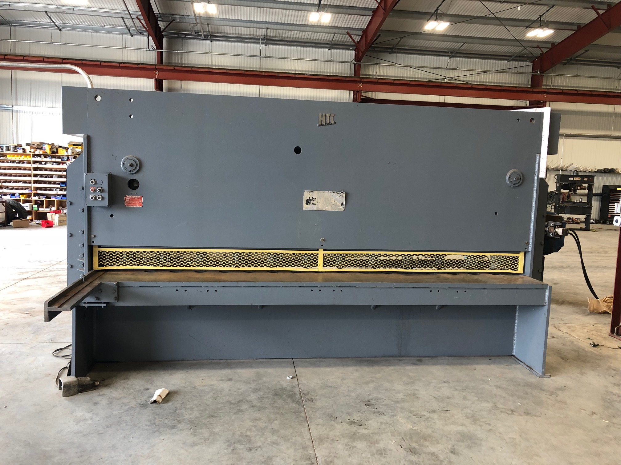 (1) PREOWNED HTC 3/8 in  X 12 ft HYDRAULIC SHEAR,<br>MODEL #: 375-12A, S/N: A473651.