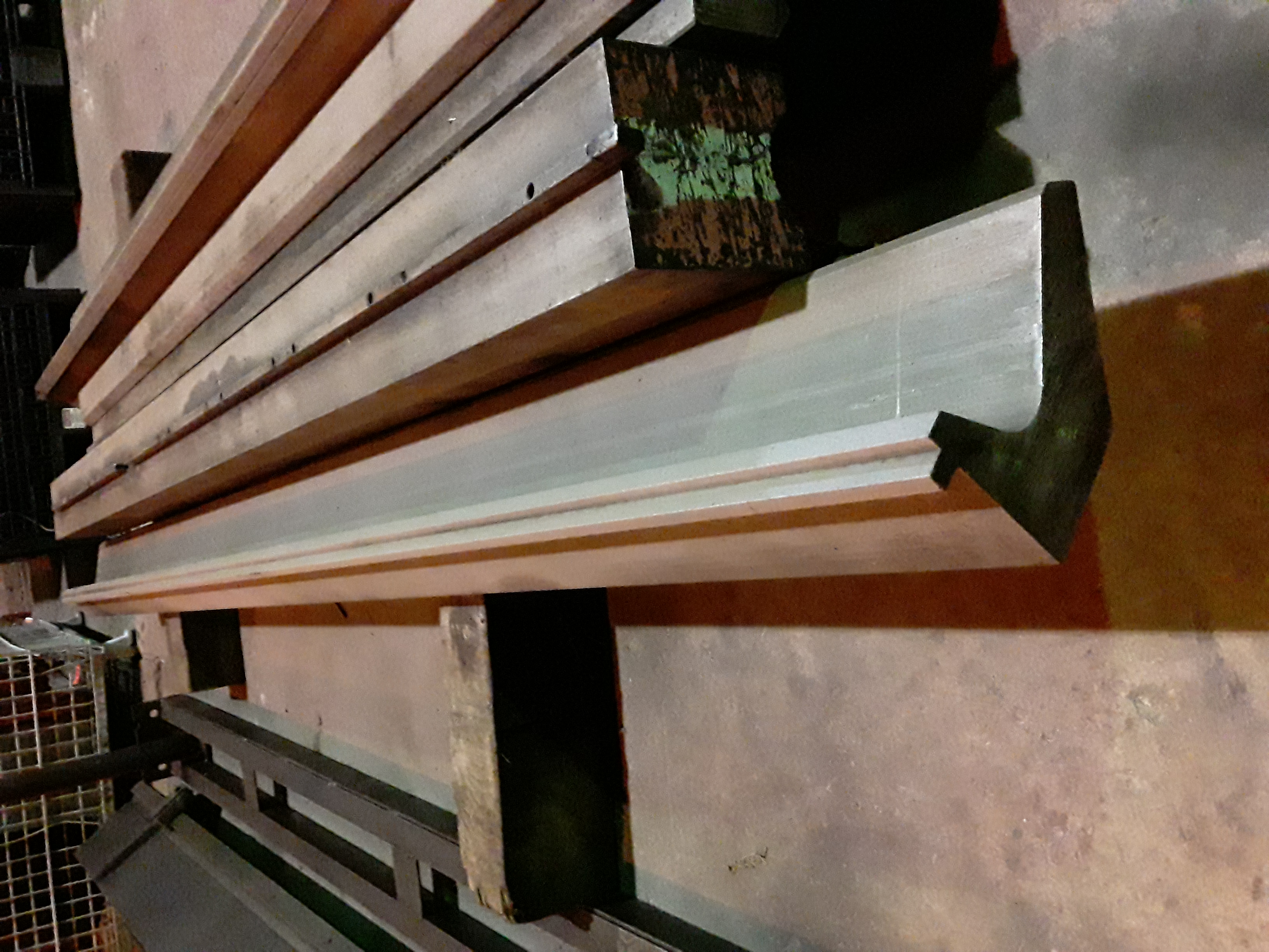 (1) PREOWNED GOOSENECK PUNCH, 4-1/4 in  WIDE X 120 in  LONG X 7-<br>1/2 in  TALL, TIP 1 in
