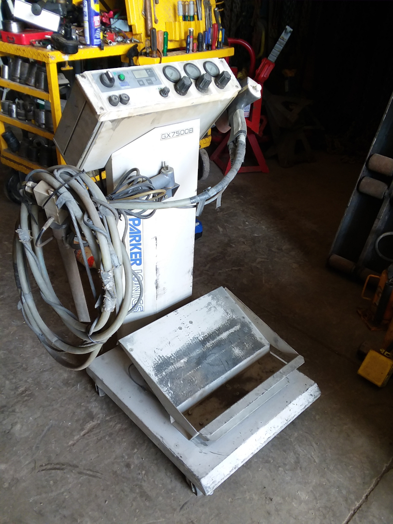 1 - PREOWNED PARKER IONICS MANUAL POWDER COATING BOX <br>FEED UNIT, MODEL #: GX7500B, S/N: 110605, YEAR: 2011