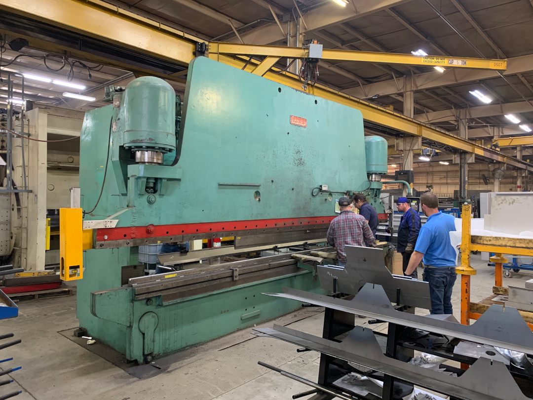 1 - PREOWNED PACIFIC HYDRAULIC PRESS BRAKE,<br>MODEL #: K400-18, S/N: 5963, YEAR: 1985