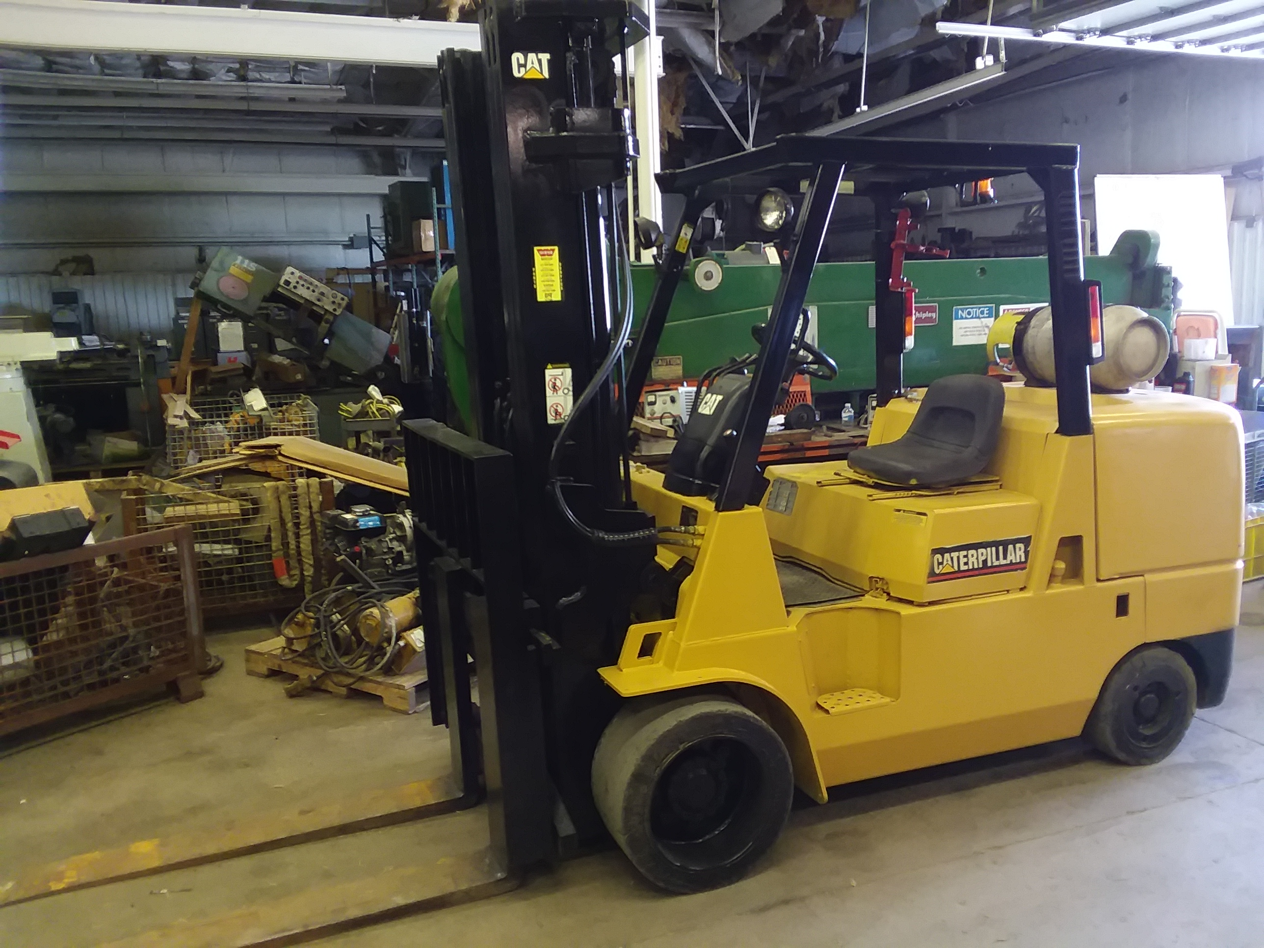 1 - PREOWNED CATERPILLAR 12000 LB LP FORKLIFT