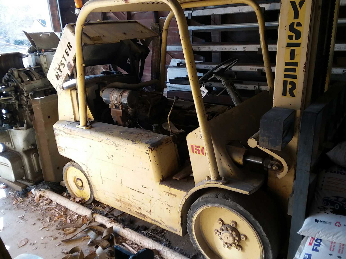 1 - PREOWNED HYSTER FORKLIFT