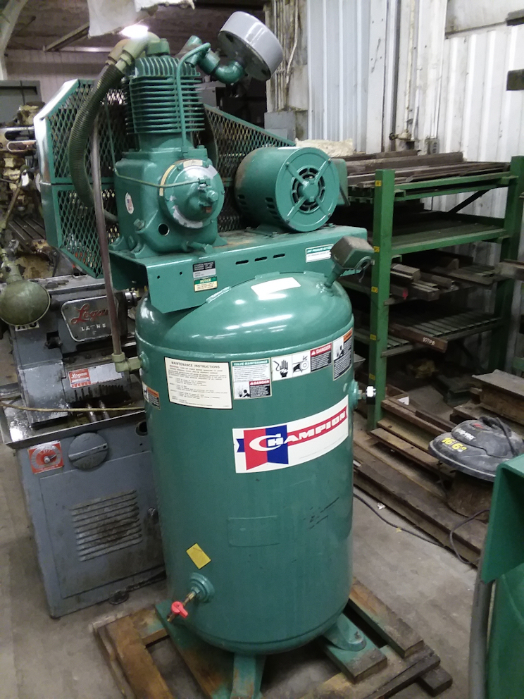 1 - PREOWNED CHAMPION 5 HP VERTICAL AIR COMPRESSOR, 2 <br>STAGE, MODEL #:?ßVR5-8, S/N: R1588995