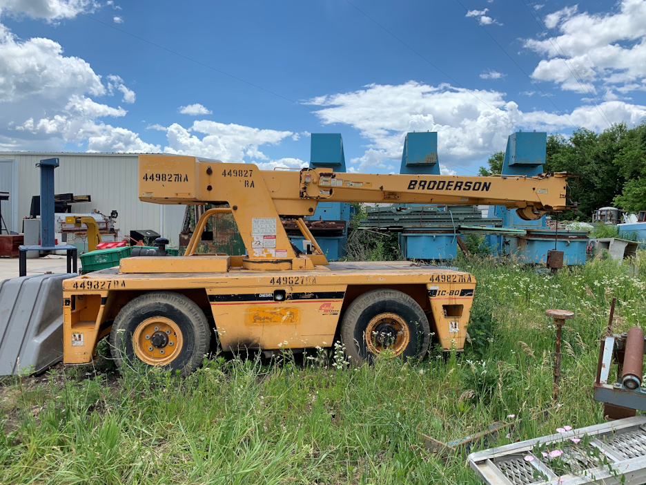 1 - PREOWNED BRODERSON CARRY DECK CRANE, MODEL #: IC-80-3F,<br>S/N: 515569, YEAR: 2003