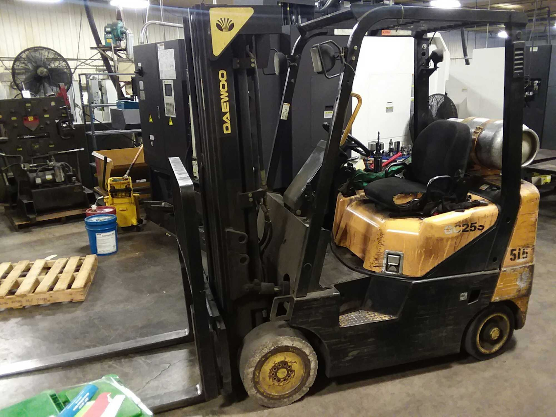 1 - PREOWNED DAEWOO 4,000 LBS FORKLIFT, MODEL #: GC25S,<br>S/N: D-633519