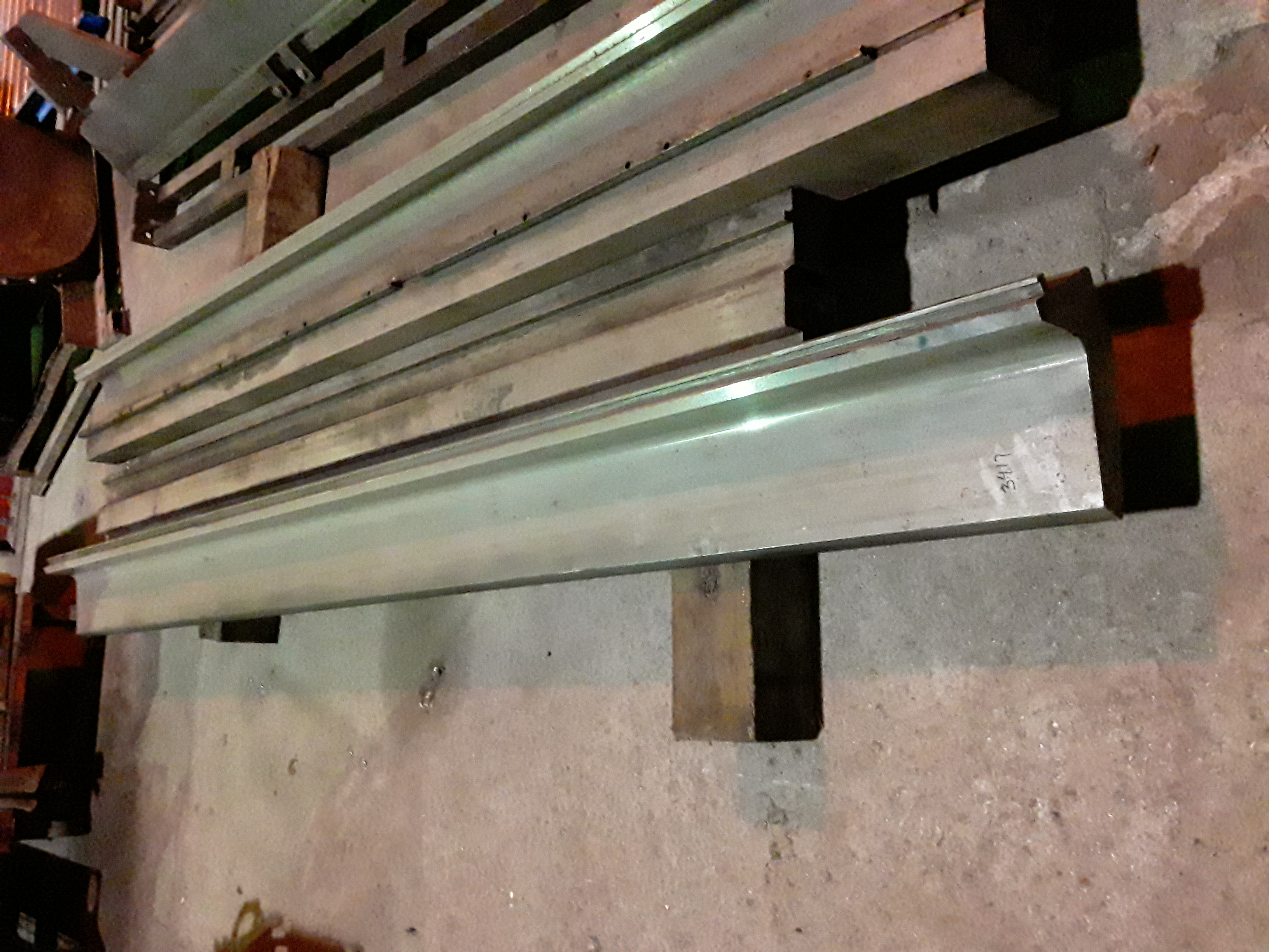 (1) PREOWNED GOOSENECK PUNCH, 5 in  WIDE X 120 in  LONG X 9-<br>1/4 in  TALL, TIP 1-1/2 in