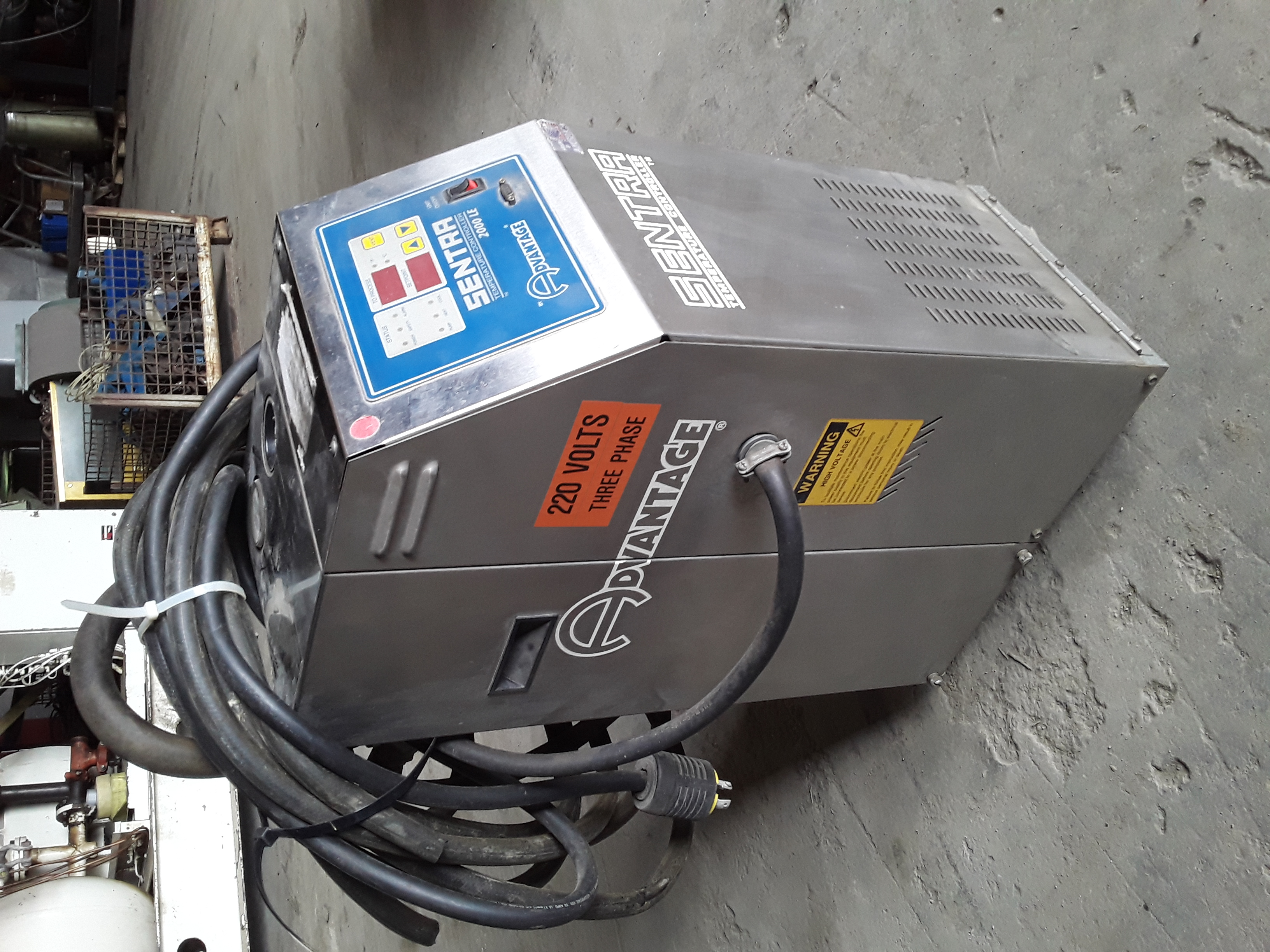 (1) PREOWNED ADVANTAGE/SENTRA WATER TEMPERATURE CONTROLLER, <br>MODEL SK-1035LE-21C1, S/N 76680
