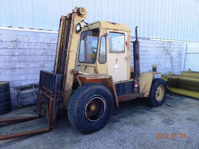 HYSTER 8,000 LB FORKLIFT, STOCK# 12451F