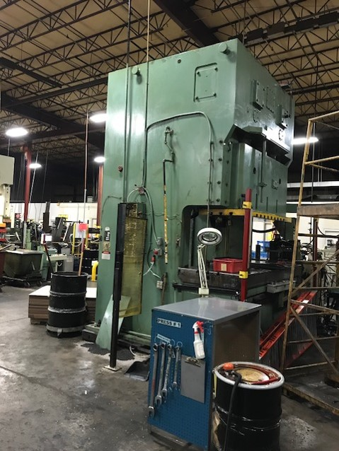 KOMATSU 275 TON 2PT GAP FRAME PRESS, STOCK# 13824T