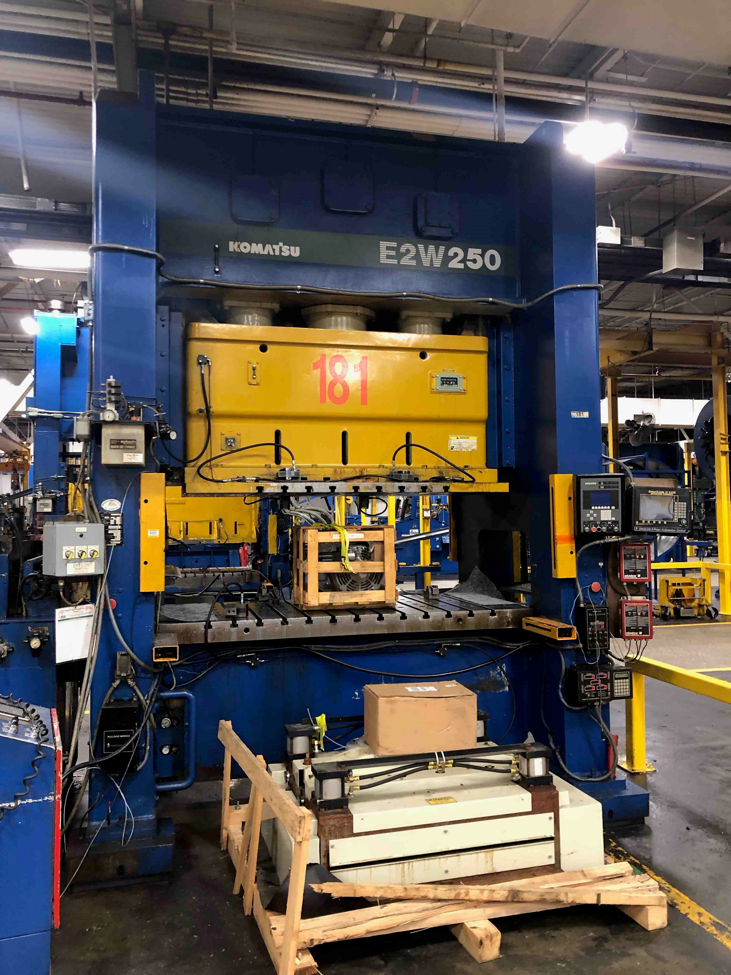 KOMATSU 275 TON STRAIGHT SIDE PRESS, STOCK# 13970J