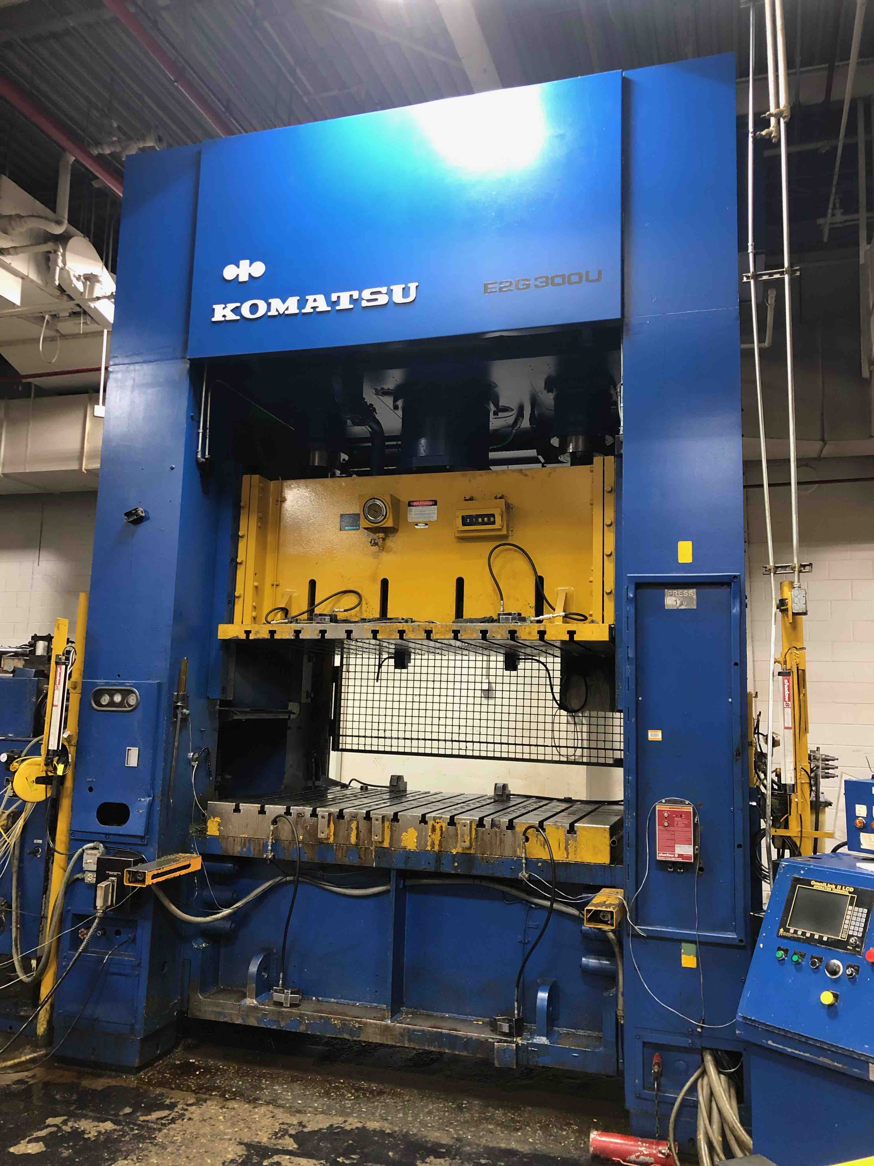 KOMATSU 300 TON STRAIGHT SIDE PRESS, STOCK# 13976J