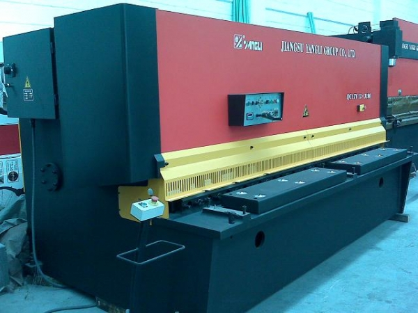 2013 YANGLI QC12Y-12x3200 Shear