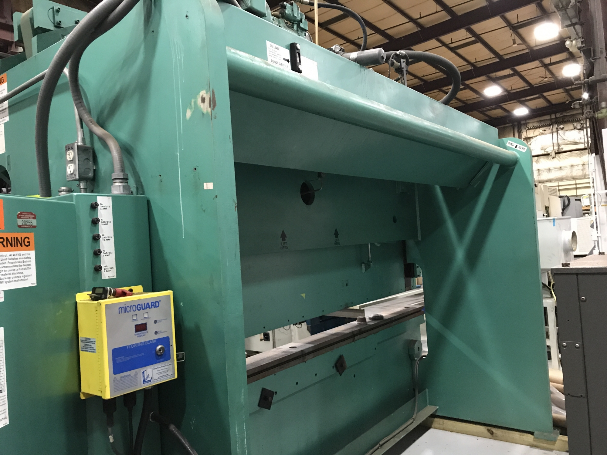 2007 PIRANHA 200T-12 GEN II - CNC Press Brake
