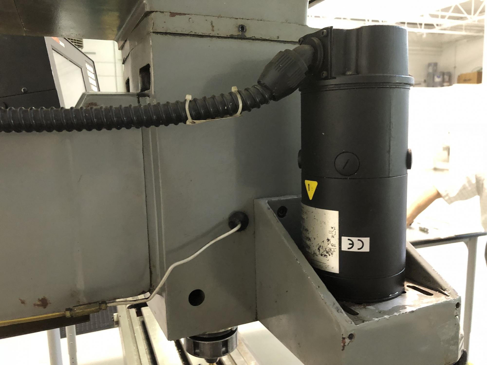 1989 YCM 40 Knee Mill
