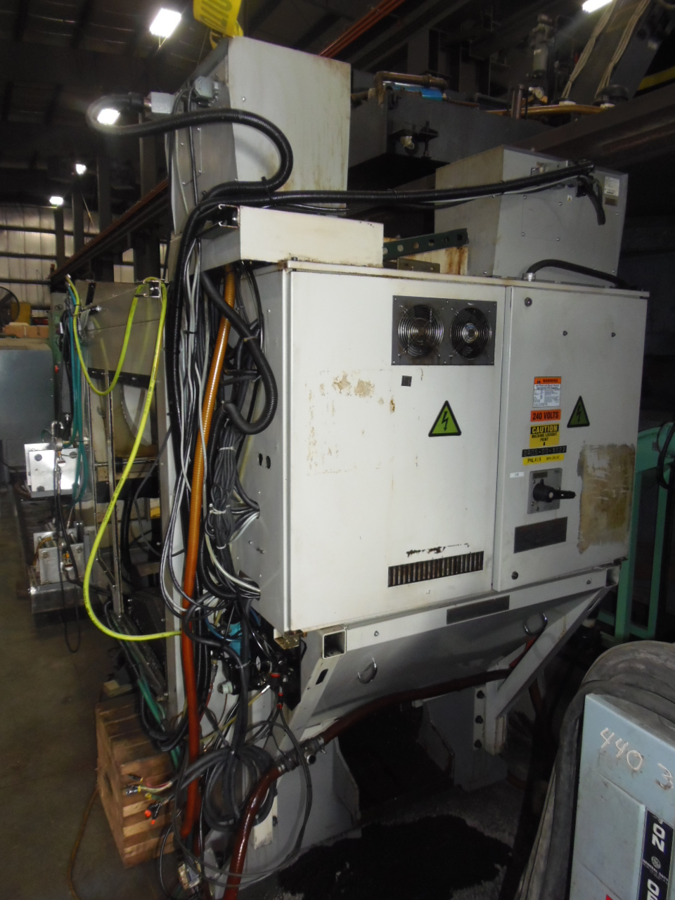 BROTHERS TC-323, 10 ATC, PALLET SHUTTLE, TWIN NIKKEN INDEXORS, COOLANT