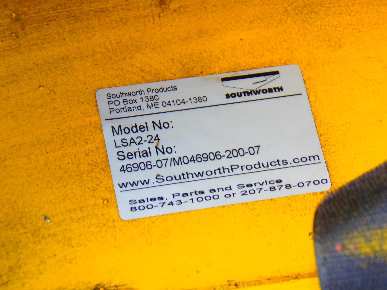 2000 LB. SOUTHWORTH AIR LIFT TABLE, MODEL LSA2-24, PNEUMATIC CROSS TRAVEL, 26 x 48 INCH TABLE, 80 PSI, WHEELS