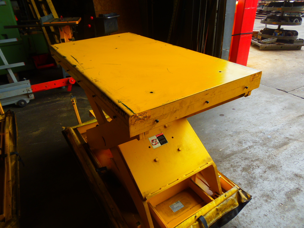 2000 LB. SOUTHWORTH AIR LIFT TABLE, MODEL LSA2-24, PNEUMATIC CROSS TRAVEL, 26 x 48 INCH TABLE, 80 PSI, WHEELS, 11 AVAILABLE