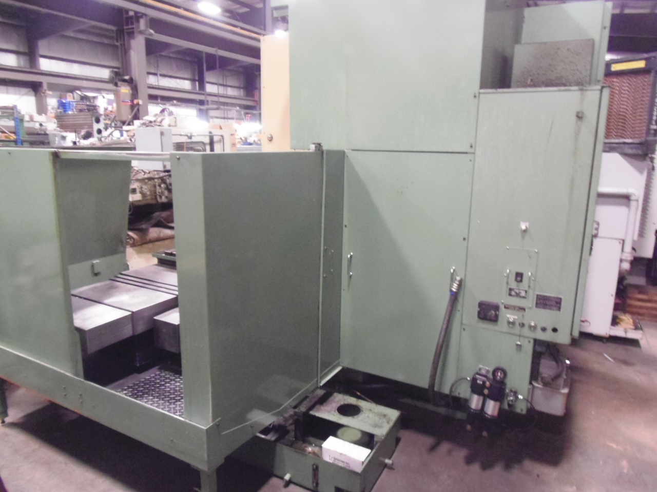 "MORI SEIKI MV-65, VERTICAL MACHINING CENTER, 25.5"" x 67"" TABLE, 30 ATC, 50 TAPER, FANUC 15-M, 1990, THRU SPINDLE COOLANT, WIRED FOR 4TH AXIS."