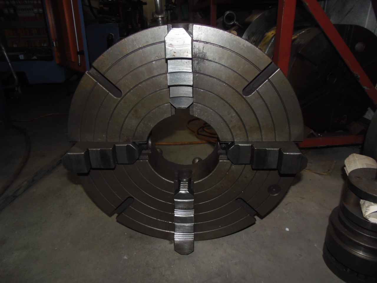 "20 INCH CHUCK - 4 JAW INDEPENDENT - 6"" HOLE - D1-11 SPINDLE MOUNT"