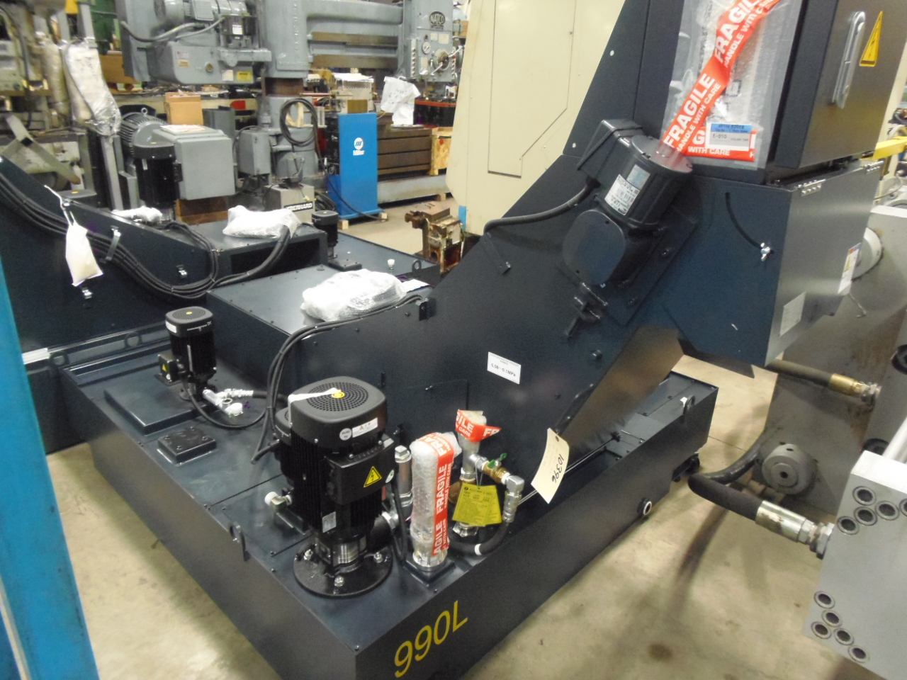 UNUSED COOLANT/CHIP SYSTEM FROM MAKINO A61 HORIZONTAL MACHINING CENTER
