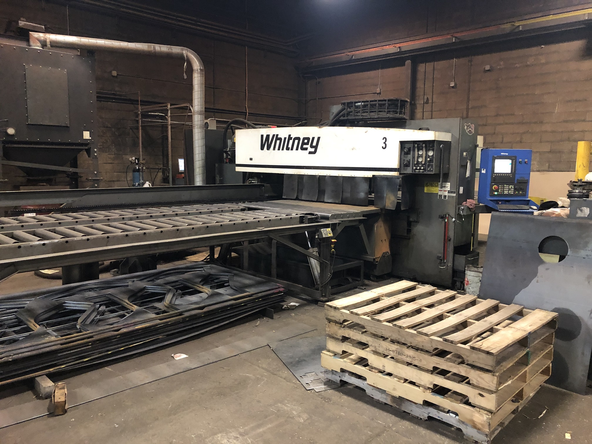 40 TON WHITNEY 3400XP, 2007, SIEMENS 840 DI CONTROL, HYPERTHERM HYSPEED HT2000LHF PLASMA, MISC TOOLING