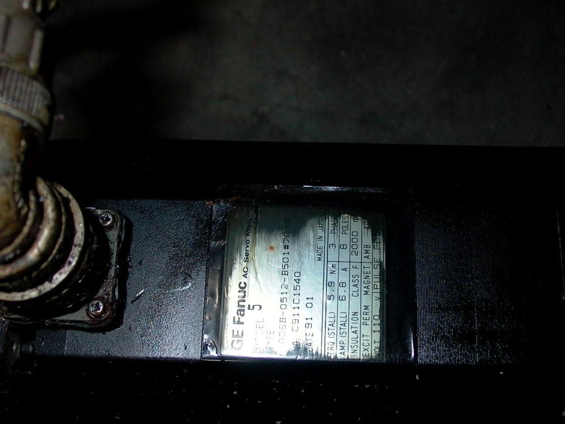 GE FANUC RED CAP AC SERVO MOTOR, A06B-0512-B501 # 7073