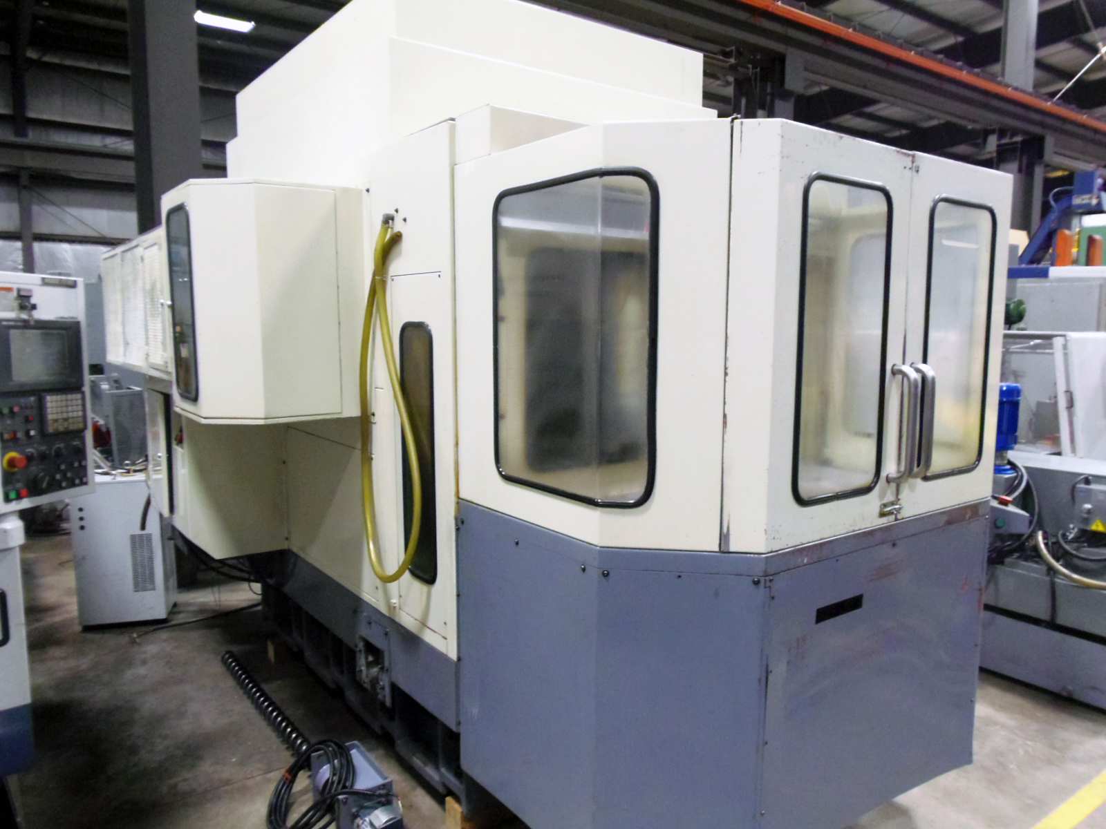 """MIGHTY VIPER HMC-500, 19.7"""" PALLETS, 2004, FANUC 18M CONTROL, 4TH AXIS ROTARY, 2 PALLETS, 40 TAPER, THRU SPINDLE COOLANT, 40 ATC, 10,000 RPM"""