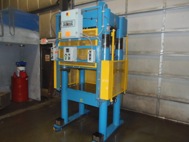 "30 TON BECKWOOD, 4 POST DESIGN, 25"" OPEN HEIGHT, 18.5"" SHT HEIGHT, ELECTRICAL CONTROLS, 1999"