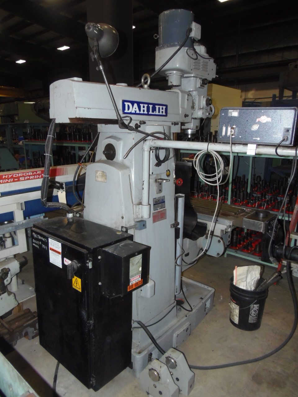 "DAH LIH GH-2200 CNC VERTICAL AND HORIZONTAL MILL, CENTURION 6 CONTROL, HANDLES FOR MANUAL OPERATION, 51"" X 11"" TABLE, 80-3800 RPM, 1989"