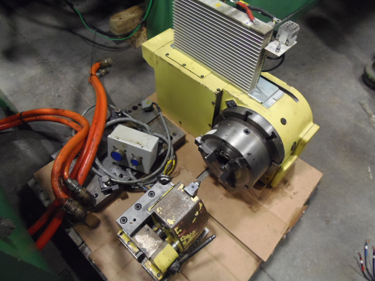 """NIKKEN ROTARY TABLE, MODEL CNC-250-LF, TAILSTOCK, 4TH AXIS DRIVE, 8"""" 3-JAW CHUCK, 1993"""