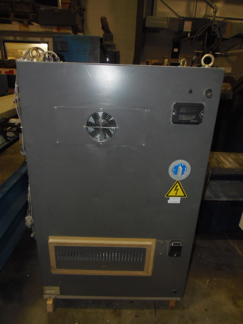 GE FANUC O-MC CNC CONTROL AND CABINET, CAT. NO. 44A850205-G504R08, A06B-6058-H334, A06B-6059-H203, A02B-0098-B511, 1990