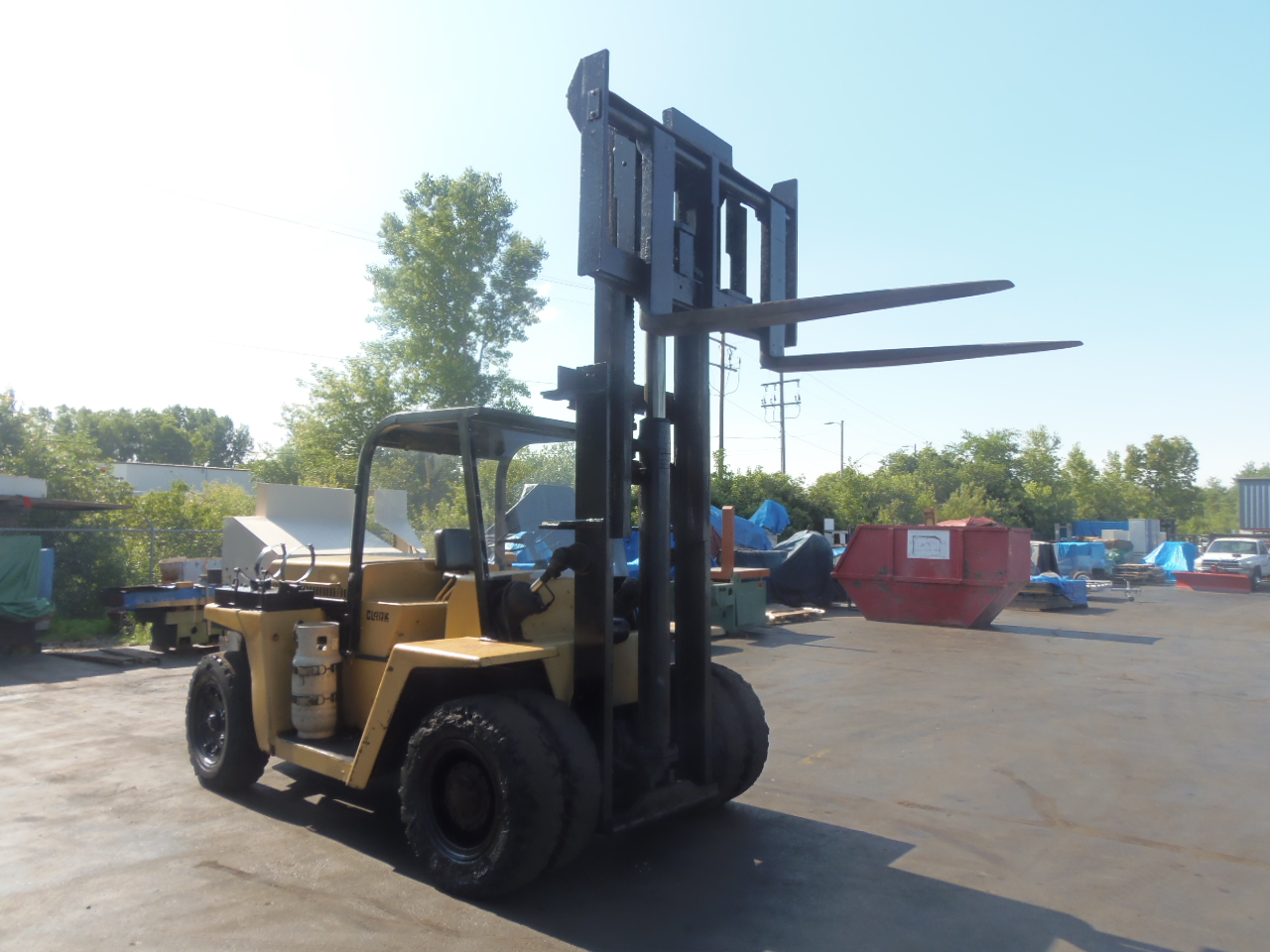 25,000 LB. CLARK FORK LIFT, MODEL CHY250S, TYPE LP, 6' FORKS, USED EVERY WEEK
