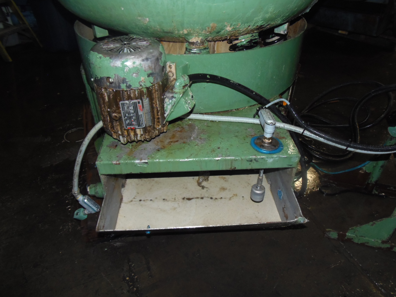 5  CU. FT. ROTO-FINISH BOWL TYPE VIBRATORY, ER-4050