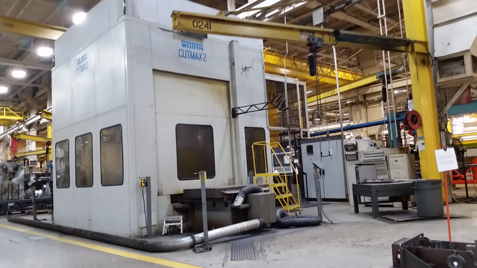"4.75"" WOTAN CUTMAX II, DUAL 55 X 63 PALLETS, 71 LONG. X 67 VERT. X 53 IN/OUT X 24 QUILL, 240 ATC, THRU SPINDLE COOLANT, 4 TH AXIS, 3000 RPM, 41 HP, SIEMENS 840C CONTROL, 1996"