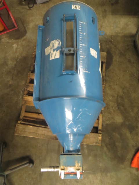 Novatec 300 lb. Material Dryer and Drying Hopper