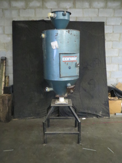 Conair 18054102 Used Material Drying Hopper, Approx. 200 lbs.