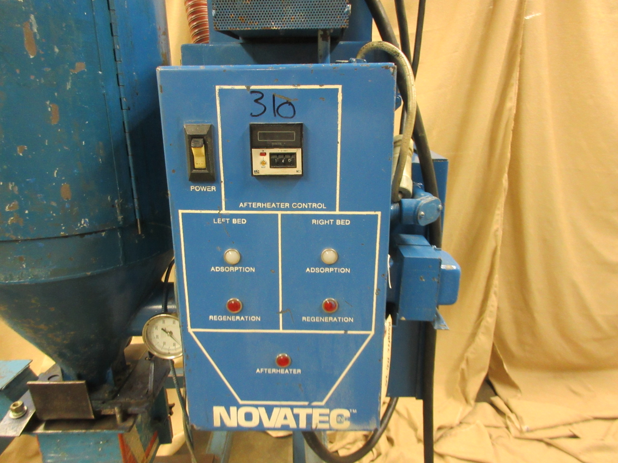 Novatec MD-25 Drying Hopper With Drawer Magnet