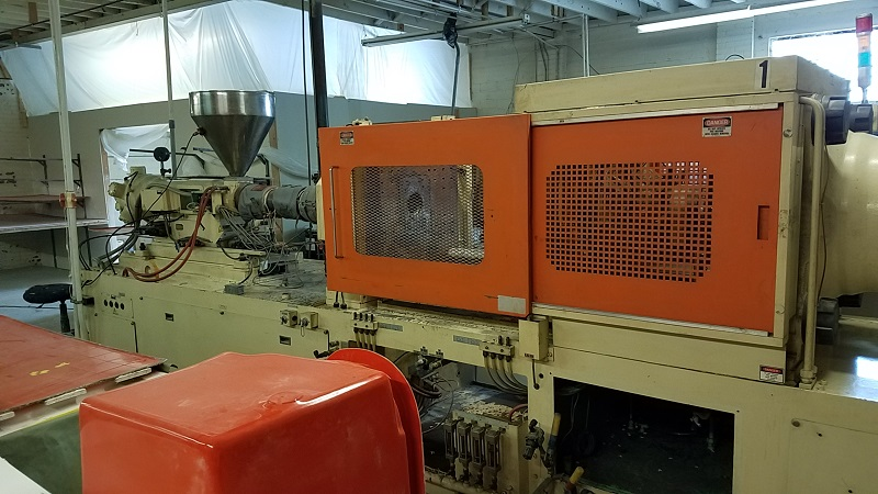 Nissei FS180S36ASE Used Injection Molding Machine, 202 US ton, Yr. 1988