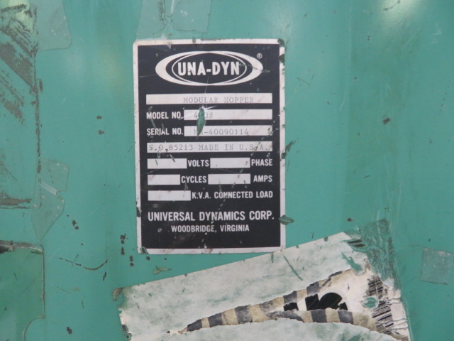 Una-Dyn DHD-4SD Used Material Dryer, Dual Drying Hoppers, Desiccant, Yr. 1983, Approx 100/hr X 2 hoppers