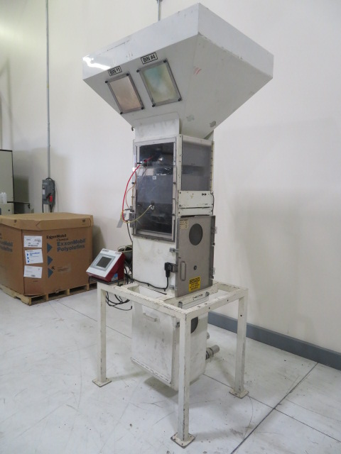 Wittman Gravimetric Blender, HRB Plus, Four Component with stand and vacuum box, approx 500 lb / hr
