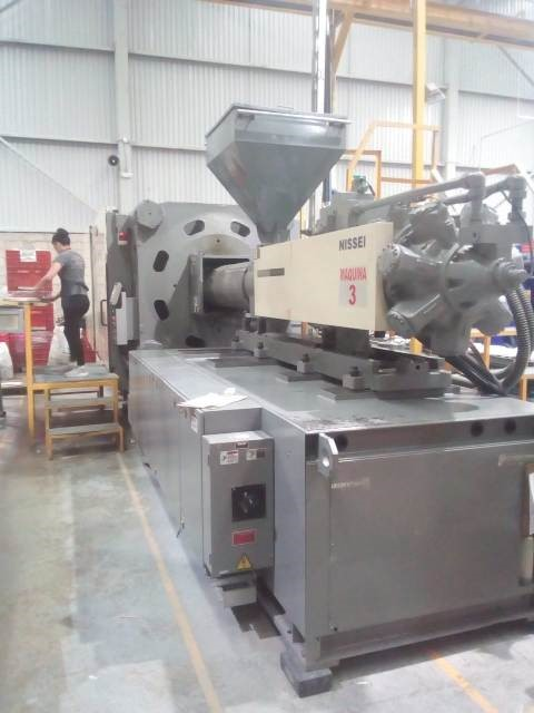 Nissei Used FV860-400L Used Injection Molding Machine, 946 US ton, Yr. 2008, 168 oz.